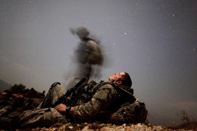 Un soldat américain en mission nocturne dans la province de Kunar, en Afghanistan, le 12 août 2009.