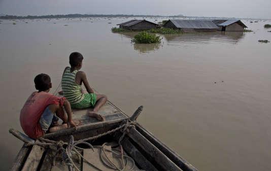 A Morigaon (Assam), le 15 août. Comme le Népal et le Bangladesh, l'Inde a été touchée par d'importantes inondations.