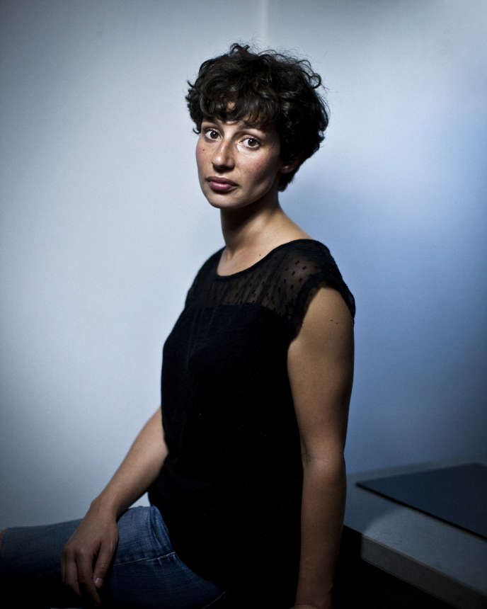 L'écrivaine Alice Zeniter, en 2015.
