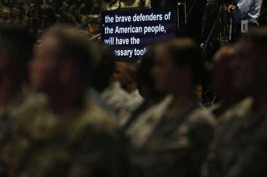 Le président américain a collé au prompteur pour ce discours diffusé en direct à la télévision.
