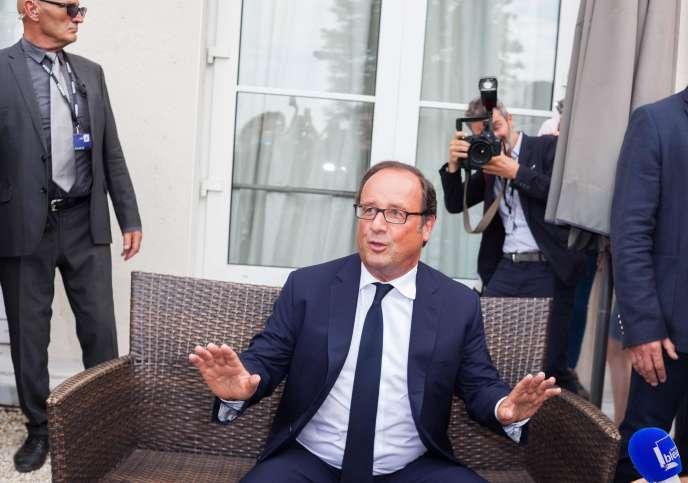 François Hollande en visite au festival du film francophone à Angoulême, le 22 août.