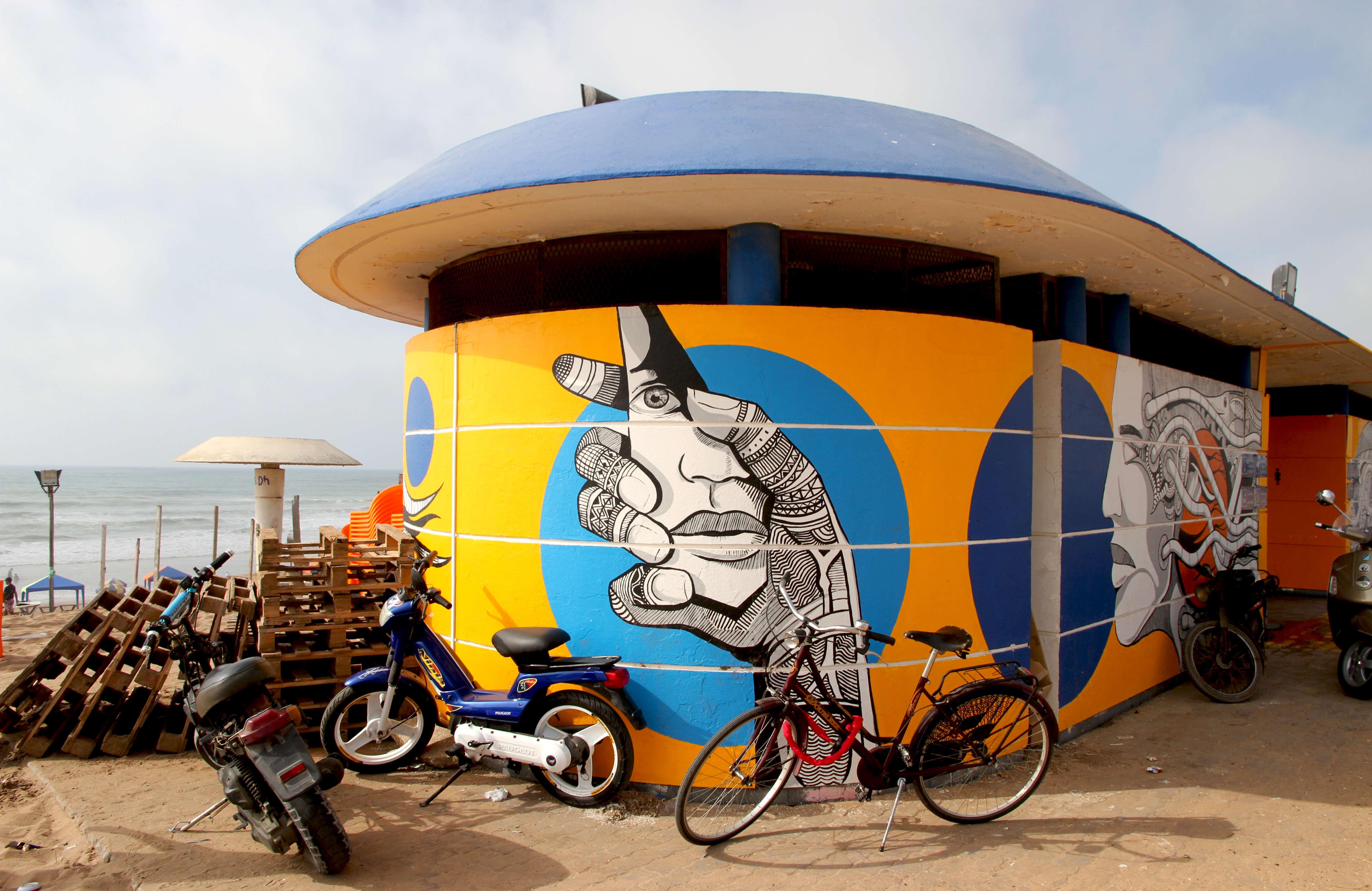 Pour égayer la ville, le street-artiste Rebel Spirit s'est lancé dans une série de fresques murales qui propose un itinéraire de Casablanca à travers l'art.