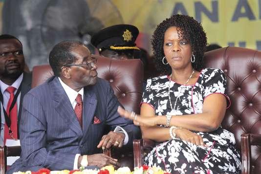 Grace et Robert Mugabe, le 27 février 2016, à Masvingo, au Zimbabwe.