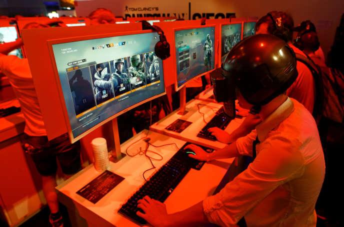 Un joueur déguisé en personnage de PlayerUnknown's Battlegrounds, à la Gamescom de Cologne.