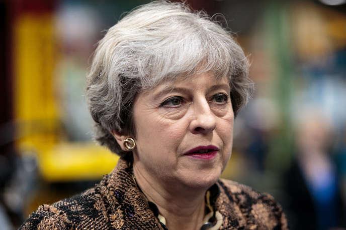 La première ministre britannique, Theresa May, à Guilford le 23août.