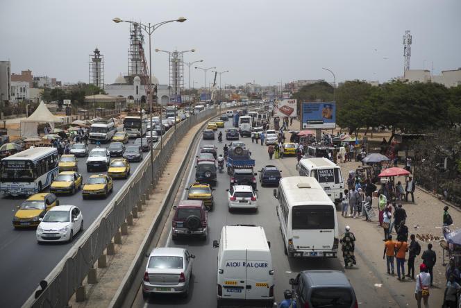 Circulation routière à Dakar, Sénégal.