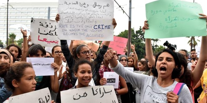 Un rassemblement s'est tenu le 23 août à Casablanca pour dénoncer l'agression sexuelle d'une jeune femme dans un bus.