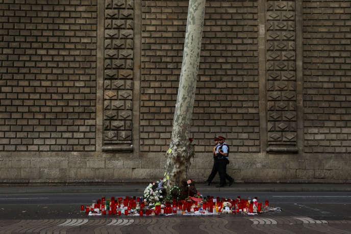Hommage aux victimes de l'attentat de Las Ramblas à Barcelone (Espagne), le 20 août.