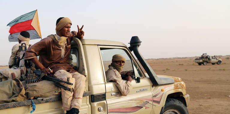 Des combattants de la Coordination des mouvements de l'Azawad, près de Kidal, au Mali, en septembre 2016.