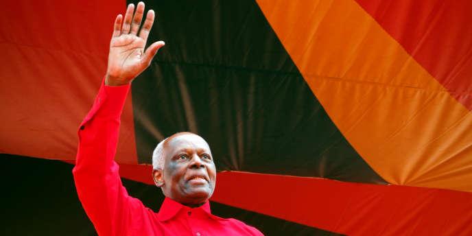 L'ancien président de l'Angola, José Eduardo dos Santos, est resté au pouvoir pendant trente-huit années.