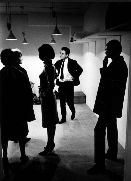 Pierre Bergé et Yves Saint Laurent lors de la préparation de la première collection 1961-1962.