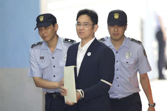 L'héritier de Samsung condamné à cinq ans de prison pour corruption