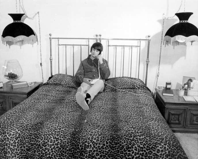 Brian Wilson, le leader des Beach Boys, chez lui à Los Angeles, en 1967.