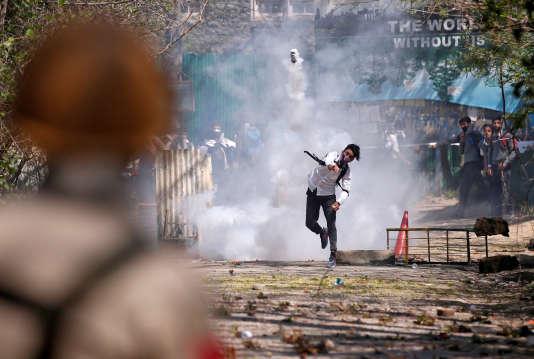 Au cours d'une manifestation organisée par les séparatistes à Srinagar, au Cachemire, le 17avril2017.