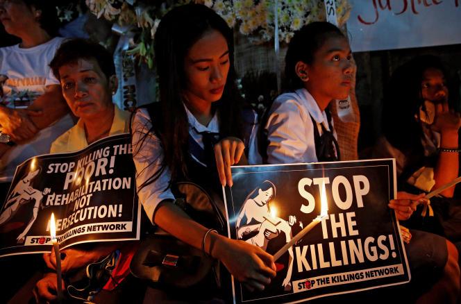 Manifestation en hommage à Kian Delos Santos, 17 ans, abattu par la police philippine.