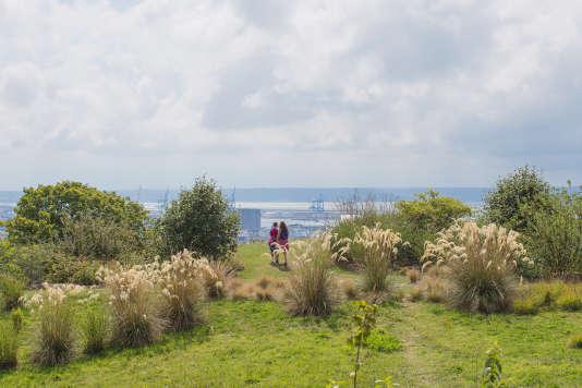 Les Jardins suspendus offrent une vue imprenable sur la baie de la Seine.
