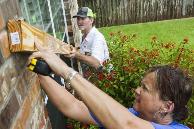 Les autorités estiment que 5,8 millions de personnes se trouvent potentiellement sur le passage de l'ouragan.