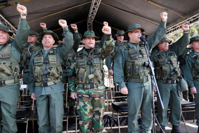 Le ministre de la défense, Vladimir Padrino Lopez, a donné le coup d'envoi des manoeuvres baptisées « Souveraineté bolivarienne 2017 » .