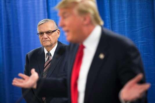 Donald Trump et le shérif Joe Arpaio à Marshalltown, dans l'Iowa, le 26 janvier 2016.