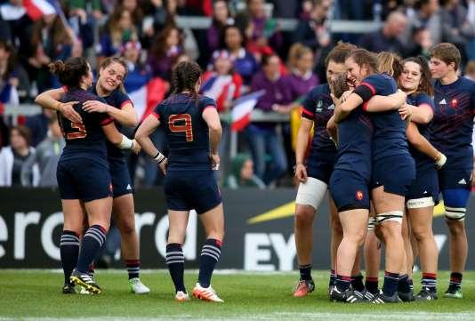 La joie des Françaises après leur victoire sur les Etats-Unis.