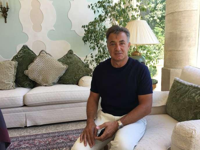 L'ex-pilote français de F1 Jean Alesi dans sa maison de famille de Villeneuve-lès-Avignon (Gard), le 4juillet.