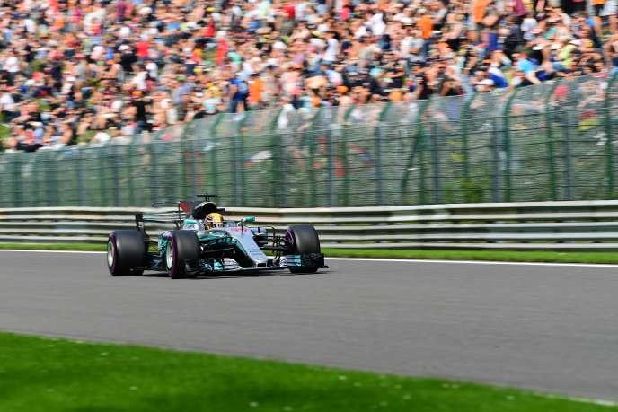 Lewis Hamilton au volant de sa Mercedes, le 26 août.