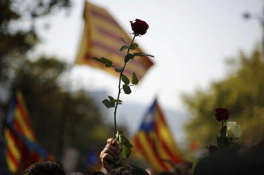 Cérémonie d'hommage aux victimes des attentats samedi à Barcelone.