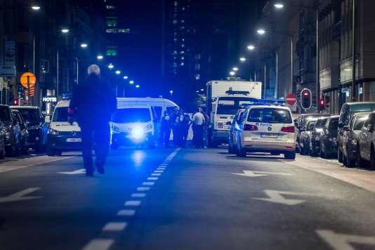 Boulevard Emile Jacqmainlaan en plein centre de Bruxelles, après qu'un homme a attaqué des soldats au couteau, le 25 août.