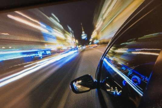 «Si les conducteurs utilisent des applis de navigation en doublon de leur GPS intégré, c'est souvent en raison de la complexité à utiliser ou à mettre à jour leur système embarqué.» (Photo: image d'accueil d'un GPS TomTom).