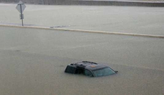 « Les mêmes endroits vont recevoir la pluie pendant les prochains jours », explique Brian McNoldy, chercheur sur les ouragans à l'université de Miami