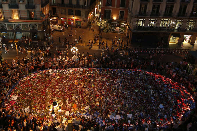 Rassemblement dans les« ramblas» à Barcelone, après les attentats, le 26 août 2017.