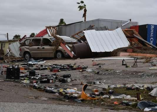 A Port Aransas, ville côtière désertée par ses habitants.