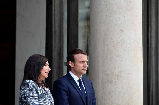 La maire de Paris Anne Hidalgo et le président Emmanuel Macron, à l'Elysée (Paris), le 2 juin.