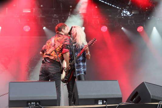 La chanteuse américaine Alison Mosshart et le guitariste anglais Jamie Hince, du groupe The Kills, samedi 26 août à Rock en Seine.
