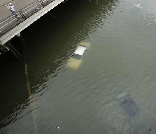 Le pic des inondations est attendu mercredi ou jeudi au Texas, d'après le service météorologique national