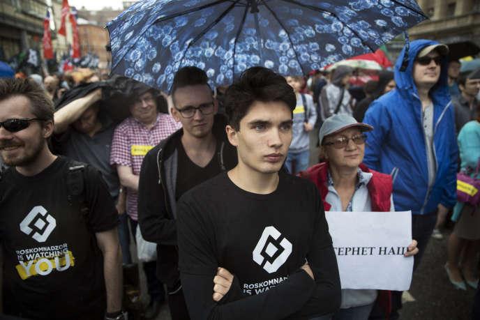 Manifestation sous haute surveillance policière, pour revendiquer un « Internet libre», à Moscou (Russie), le 26 août.