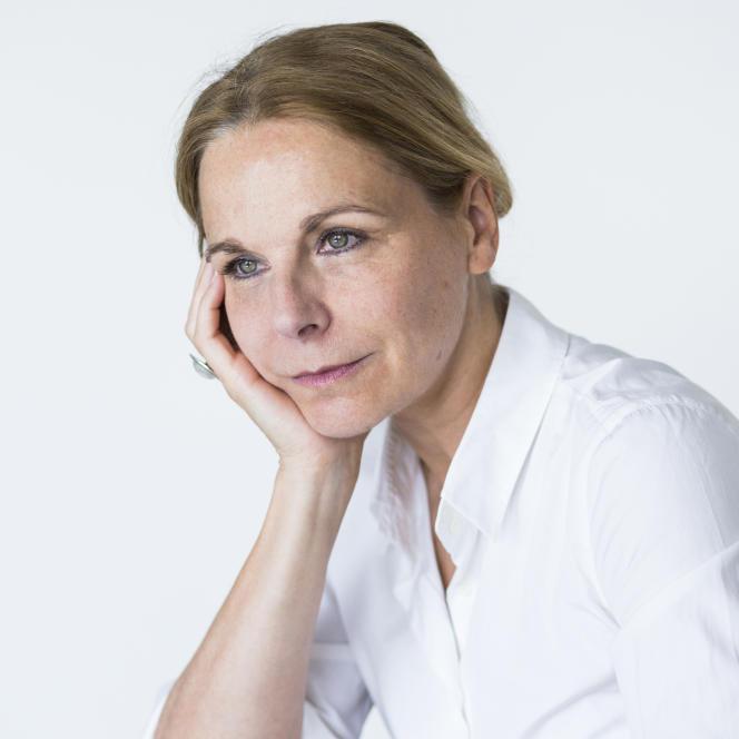 L'écrivaine Camille Laurens, à Paris en 2017.