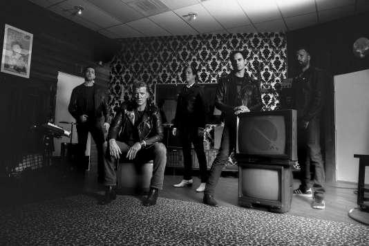 Le groupe de rock Queens of The Stone Age en 2017.