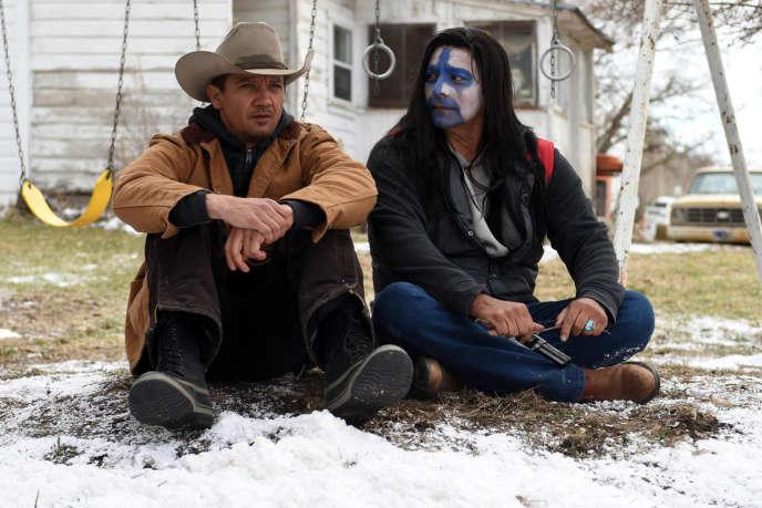 Jeremy Renner et Jon Bernthal dans«Wind River», deTaylor Sheridan.