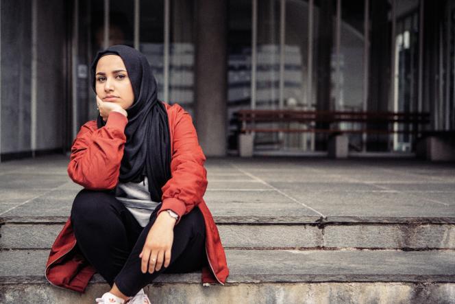 Faten Mahdi Al-Hussaini, 22 ans, Norvégienne d'origine irakienne, est l'animatrice de «Faten fait son choix ».