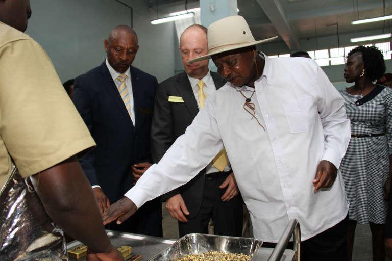 Le président ougandais, Yoweri Museveni, lors de l'inauguration de l'affinerie d'or AGR à Entebbe, le 20février 2017.