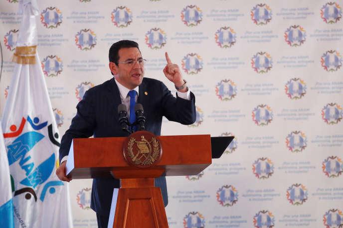 Le président du Guatemala, Jimmy Morales, lors d'une réunion avec des maires à Ciudad de Guatemala, la capitale, le 29août 2017.