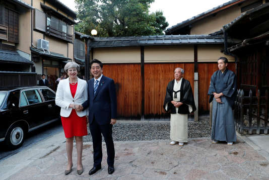 Theresa May et Shinzo Abe, à Kyoto, le 30 août.