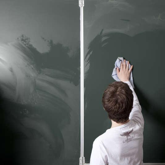 """Photo tirée de la série «""""On s'ennuyait"""". Fictions d'adolescents», réalisée dans le cadre d'une résidence d'artiste en milieu scolaire. Centre d'art de l'Yonne, 2010."""