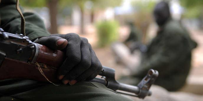 Des soldats de l'Armée populaire de libération du Soudan (SPLA)à Malakal, au Soudan du Sud, en janvier 2014.