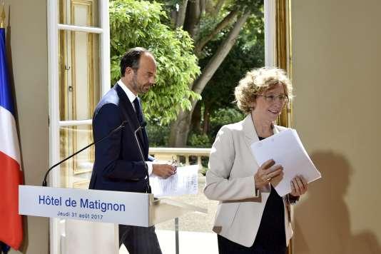 Le premier ministre, Edouard Philippe, et la ministre du travail, Muriel Pénicaud, lors de l'annonce du contenu de la réforme du droit du travail, le 31 août, à Matignon.