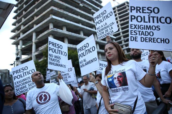 «Le haut-commissaire des Nations unies aux droits de l'homme, Human Rights Watch, Amnesty International et l'ONG vénézuélienne Provea ont démontré que les torts ne sont pas partagés dans les rues de Caracas et de la province. L'Etat porte une responsabilité décisive dans l'escalade et la dérive dictatoriale». (Photo : Manifestation à Caracas, le 30 août).