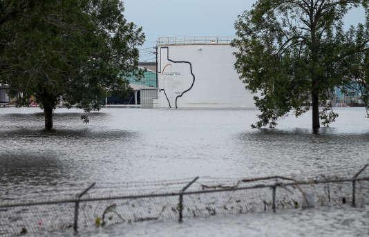 L'usine chimique se situe en bordure de la ville de Crosby, une localité située au nord-est de Houston.