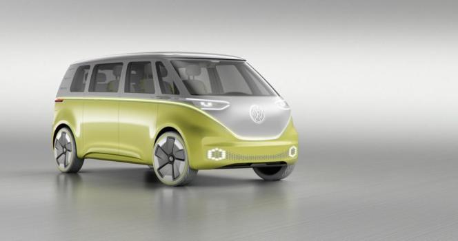 Nouvel avatar du célèbre Combi, l'ID Buzz est entièrement électrique grâce à une batterie autorisant 300 kilomètres d'autonomie. Il devrait être proposé à la vente en 2022.