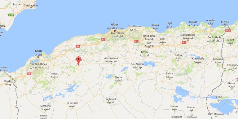 Le quartier général de la police de Tiaret, en Algérie, a été la cible d'un attentat-suicide le 30août 2017.